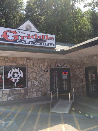 Griddle Cafe & Deli: Tucked away in the back corner of the plaza.