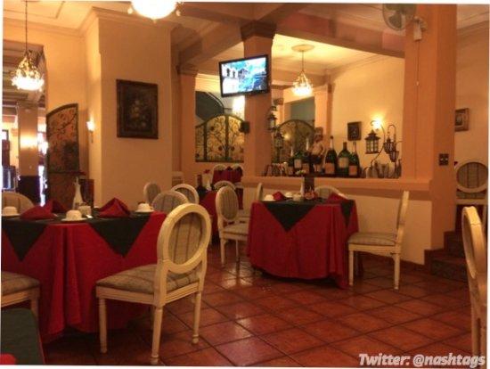 Hotel Royal Palace Desde Ciudad De Guatemala
