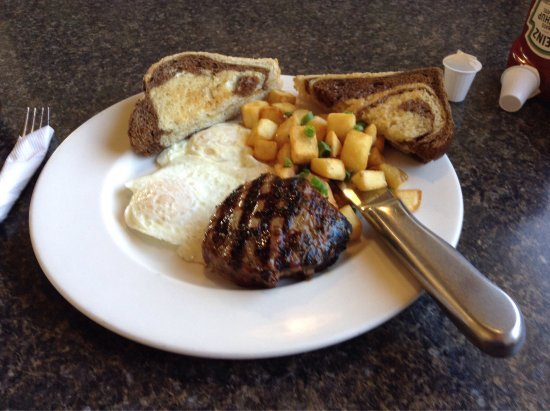 Claresholm, Canada: Steak and Eggs
