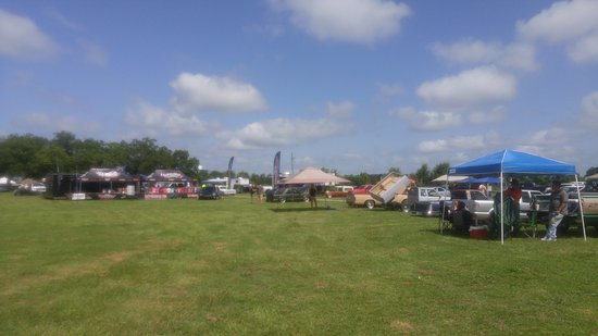 Byron, Georgien: one angle of car show