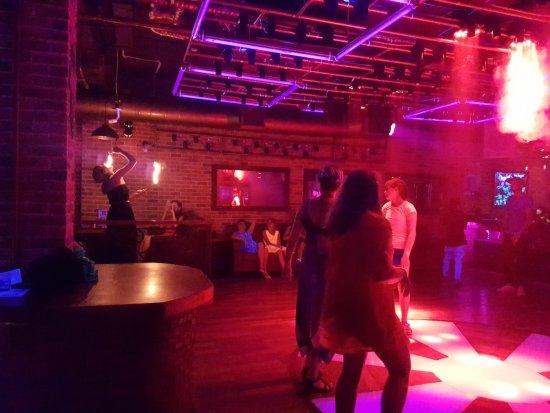 ночной клуб где было девушек