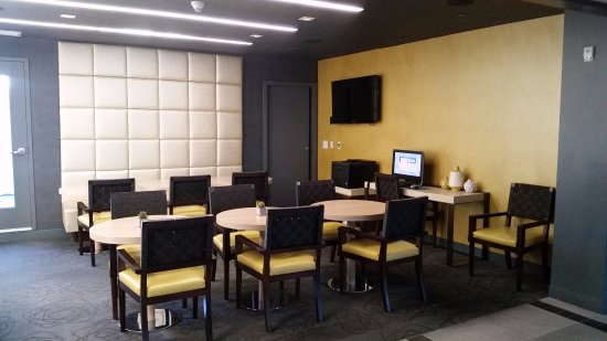 Kimpton Hotel Wilshire: Function Rooms with a printer for guest to print out boarding passes.