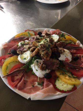 Baudinard-sur-Verdon, France: Salade Mozza