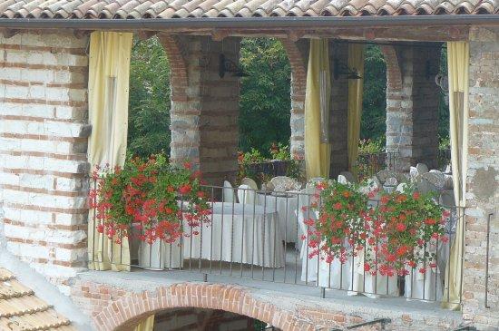 Cascina montena hotel mombello monferrato italia for Cascina merlata prezzi