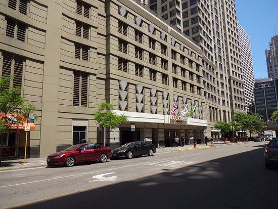 Restaurants Near Courtyard Marriott Chicago River North