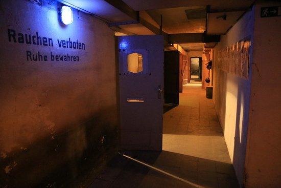 Hagen, Jerman: Blick in einen der Flure des Bunkers.