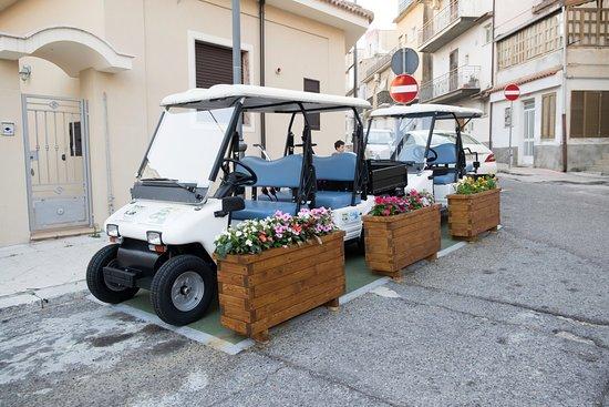 Roccella Ionica, Itália: Golfcar disponibili al noleggio