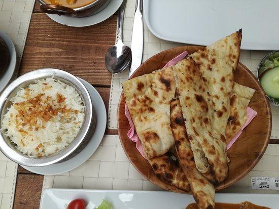 Namaste Tandoori Keuken: Garlic-naan