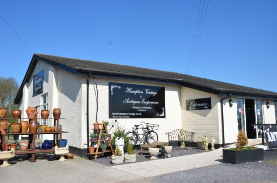 Frodsham, UK: Hampton Vintage & Antiques Emporium