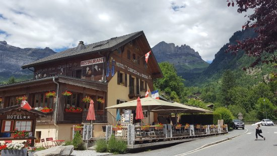 Excellent restaurant in Servoz on Route du Mont, 10 minutes drive from Chamonix