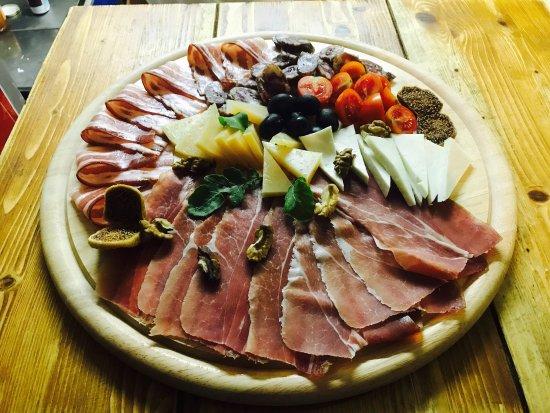 Kum Krnica: Local delicious ❤️