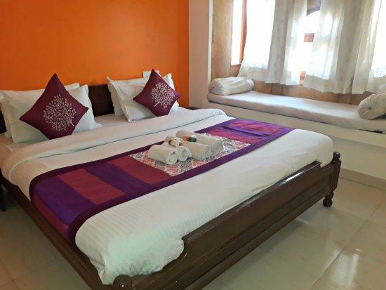 Gaji Hotel