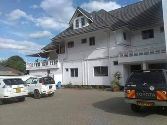 D lux hotel nakuru kenya voir les tarifs et avis for Hotel a prix bas
