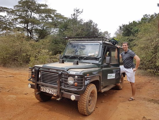 Nairobi Tented Camp: The safari Land Rover