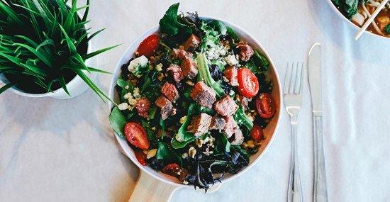 Clarence, Nowy Jork: CoreLife Eatery - Steak, Bacon, Bleu Bowl