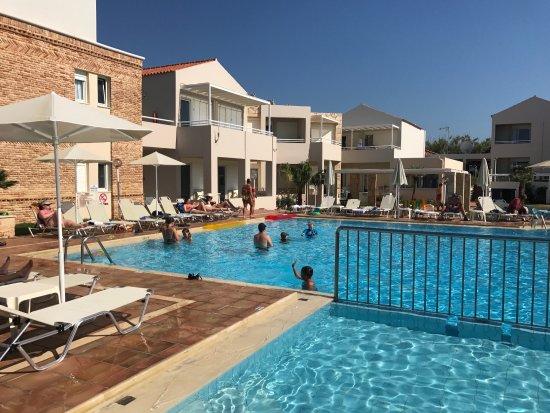 Schones Kleines Abgeschiedenes Hotel Am Strand Kostakis Beach