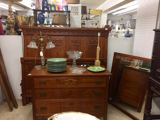 New Bedford Antiques at the Cove