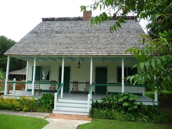 Снимок Acadian Village