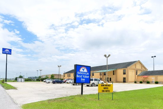Americas Best Value Inn - Breaux Bridge: Exterior