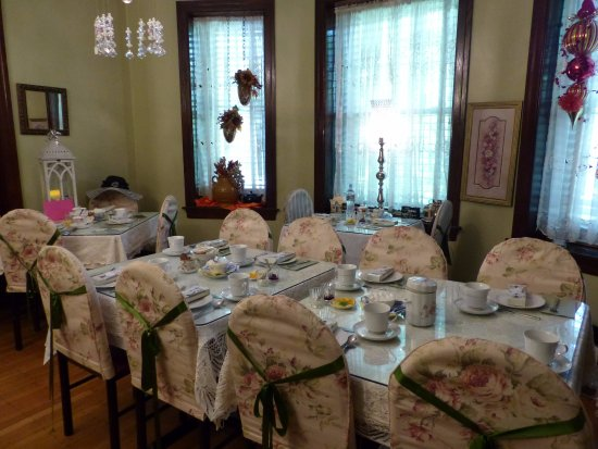 Upper Darby, PA: Downstairs tea room - set up for bridal shower