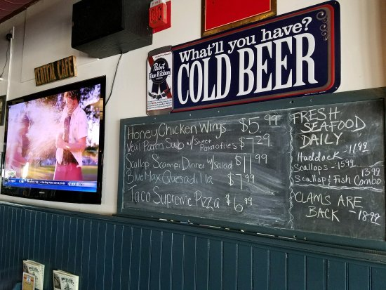 Middleboro, MA: Lots of menu boards on the walls offering specials as well as standard items