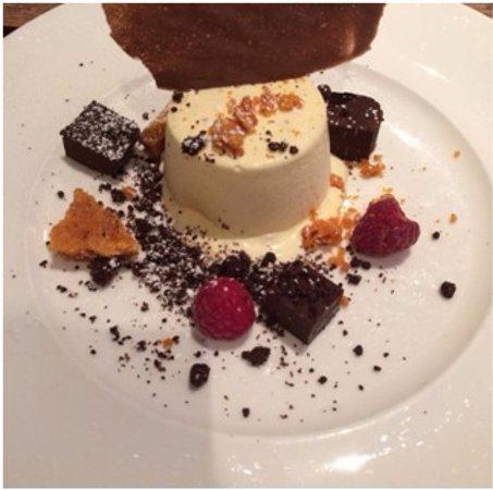 The Devonshire Arms: White Chocolate Parfait