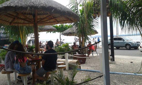Provincie Puntarenas, Costa Rica: Mesitas en el jardín