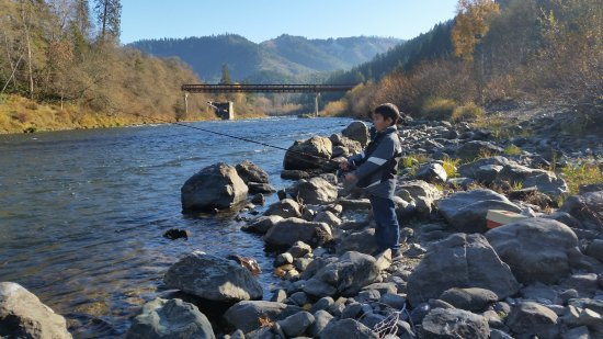 Rogue river medford or top tips before you go with for Rogue river fishing