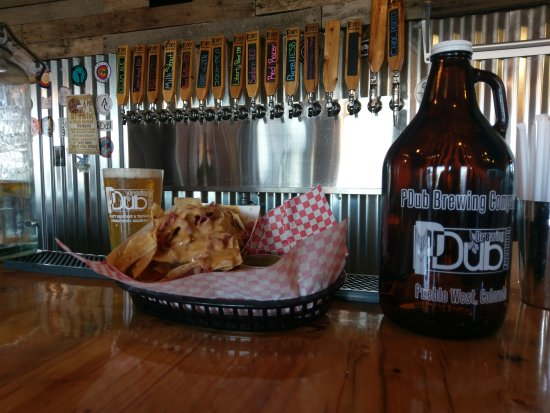 Pueblo West, CO : Premium Craft Beer, a bite to eat and a Growler of your favorite To Go!