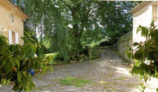 Rauzan, France : L'ensemble du Domaine du Moulin de Rioupassat datant du XVIIè