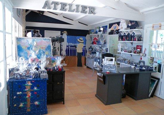 Rauzan, Francja: Atelier d'Art de la propriétaire Nicky et réception/accueil