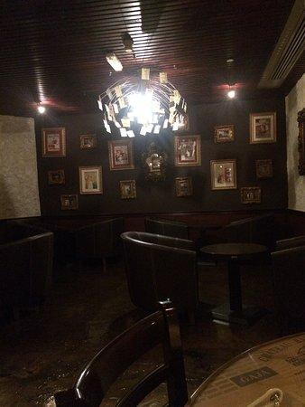 """Crowne Plaza Dubai: Lundi soir merci pour ce GM cocktail  Bonne ambiance et découverte de leur """"tapas"""""""