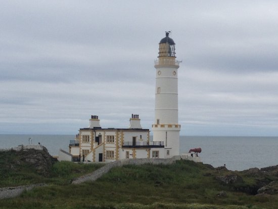 Corsewall Lighthouse Hotel: View of the lighthouse from the north.