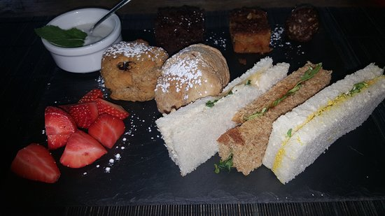 La Suite West - Hyde Park: Vegan afternoon tea at La Suite West