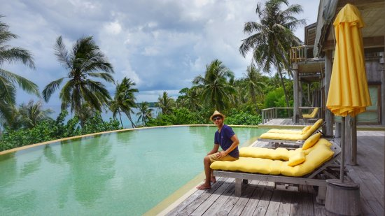 Soneva Kiri: Infinity Pool in our own villa
