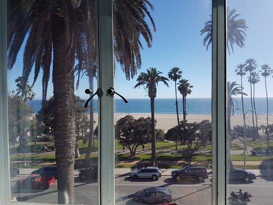 Hotel Shangri-La Santa Monica: 20170627_172226_large.jpg