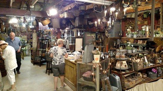 Kutztown, PA: antiques