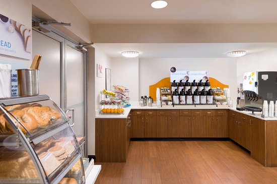 Tremendous Breakfast Buffet Picture Of Holiday Inn Express New York Home Interior And Landscaping Oversignezvosmurscom