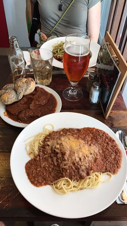 Rosenberger : Wonder meal, large proportions and great service (thanks Balazs!)