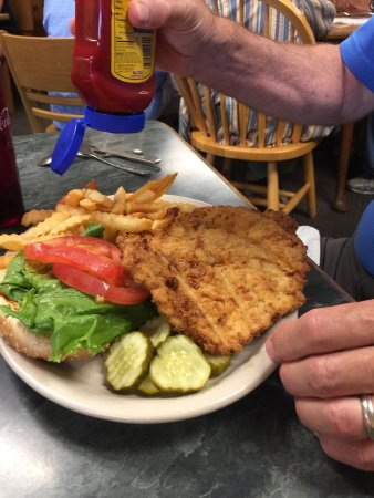 Cicero, IN: Breaded tenderloin was great!