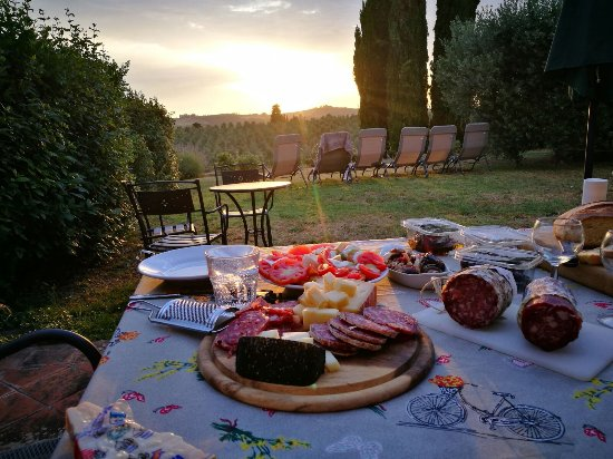 "Torre di Ponzano - Chianti area - Tuscany -: Abendessen im Garten der ""Fienile"""