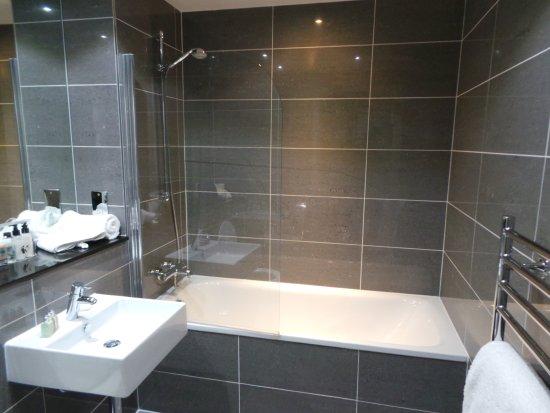 Belle salle de bains picture of saco bristol broad - Belle salle de bain ...