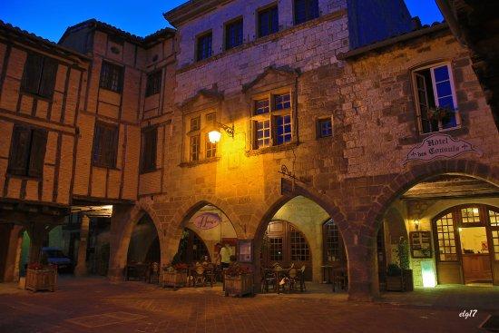 Hotel Des Consuls Photo