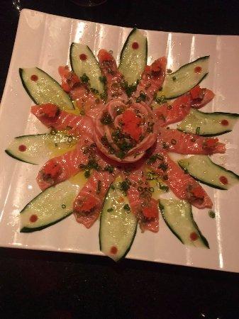 Kojima: Carpaccio de salmão