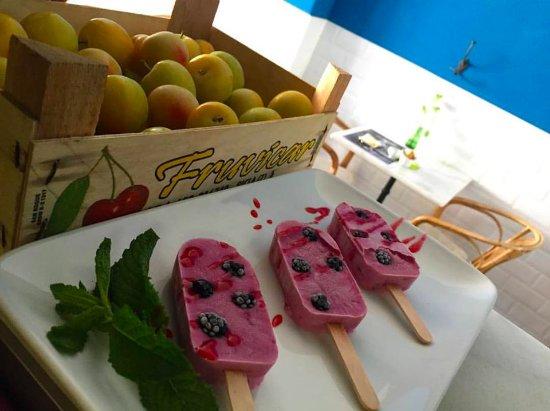 Hosteria Saltaleone : polo yogurt y moras