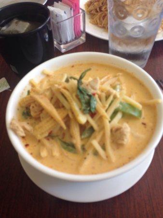 Ιντιάνα, Πενσυλβάνια: Red coconut curry noodles