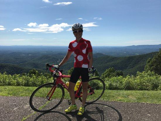 Velo Girl Rides: Parkway views!!