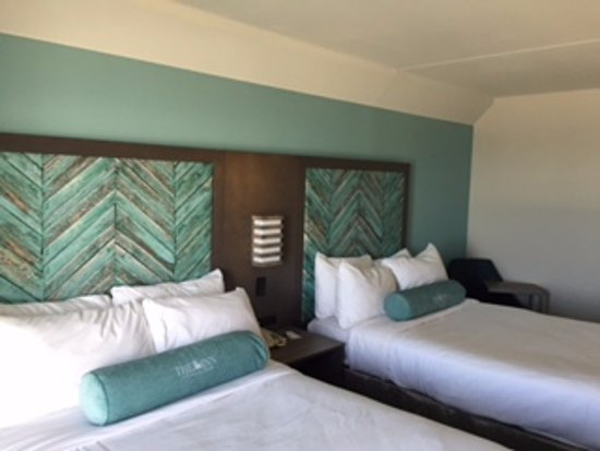 The Inn at Pine Knoll Shores: 2 Double Beds