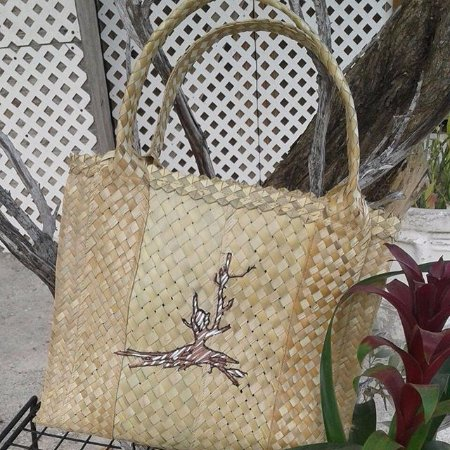 Marsh Harbour, Île de Great Abaco : Beach Bag with the ' Lone Tree ' Design - The lone tree can be found in Harbour Island