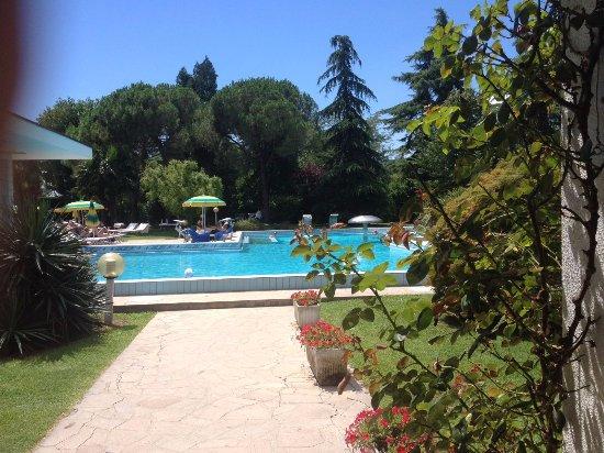 Hotel Terme Neroniane: una delle piscine termali